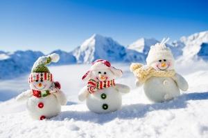 bigstock-Winter-Christmas-happy-snow-38670643